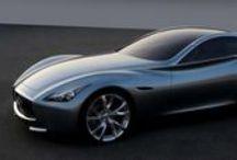 Infiniti / Marchio di lusso Nissan offre una gamma di coupé, berline e SUV.