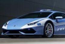 Lamborghini / Dna italiano unito al gruppo tedesco Audi-Wolkswagen. Supercar lussuose e dinamiche.