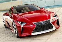 Lexus / Marchio di lusso di Toyota. Auto ibride e di alta fascia.