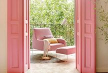 Wohnzimmer / Auf meinem Blog Rosanisiert schreibe ich über Ordnung, Putzen und Glamour. Hier sammle ich alle Inspirationen über das Wohnzimmer, Wohnzimmermöbel, Ordnung im Wohnzimmer, Möbel, Rosa, Pink.
