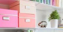 Arbeitsplatz | Schreibtisch | Home-Office / Auf meinem Blog Rosanisiert schreibe ich über Ordnung, Putzen und Glamour. Hier sammle ich alle Inspirationen über Arbeitsplätze, Schreibtische, Büro, Büromöbel, Schreibtischmöbel und Home Office Plätze mit Stil.