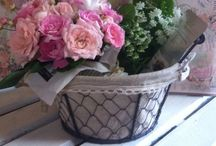 Flower Arrangements / These are gifts that combines flowers and sundries.