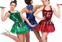 TANEC / Krásné taneční úbory žen a dívek.
