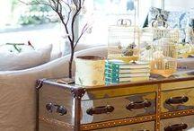 Piezas / EL PLACER DEL BIENESTAR  Elementos que enaltecen cada rincón de tu espacio, convirtiéndolo en funcional, confortable e inigualable.   Muebles, cuadros, iluminación y artículos decorativos.