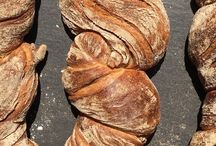Unser frisch gebackenes Brot / That´s the bread we bake at LEO Bakery in Aachen/Germany.