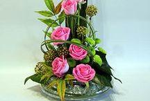 arreglos de flores / Las flores son nuestros  mejores aliados, dan vida y color a toda decoración y son un detalle muy acertado en cualquier momento u ocasión.  ser creativos.  Debemos aprovechar las flores de estación,