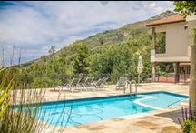 Luxury Paarl Property for sale - House & Views Magnificent / Find this absolutely magnificent and well-positioned luxury Paarl property for sale on the top of the Paarl Mountain.