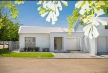 Vrede Lifestyle Home Found in the Heart of Paarl / This chic Paarl Vrede home speaks to you the moment you walk through the front door.