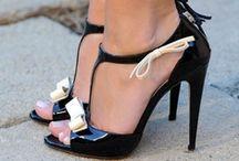 Beautiful/Unique Shoes / by Yanira Rivera