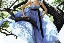 Gorgeous Dresses/Gowns / by Yanira Rivera