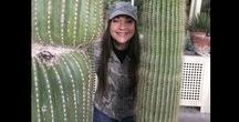 Prickly Paradises Found / Famous destinations for aficionados of cacti and succulents