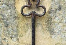 Boutons de Porte - Clefs, etc . . . / Cloches de porte - Heurtoirs - Poignées - Serrures