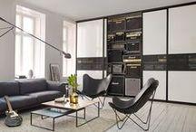 Elfa i stuen / Smart og fleksibel oppbevaring fra Elfa i stuen. Bokhyller, mediaoppbevaring og skreddersydde skyvedører i din egen design.