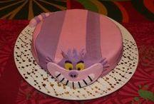 Cakes et Cup Cakes / Amusants, étonnants, fleuris, poétiques ou romantiques et toujours tellement délicieux . . .
