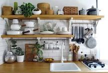 Kitchen Open Shelving / Explore how homeowners create open shelves in their kitchen renovations from Sweeten.