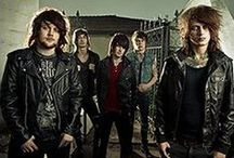 Asking Alexandria Official Wholesale Merchandise / Rock Off is a wholesale distributor supplying official band and music merchandise for Asking Alexandria and many other top artists.