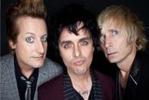 Green Day Wholesale Merchandise / Rock Off is a wholesale distributor supplying merchandise for Green Day and many other top music brands.