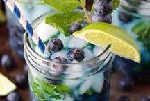 Detox water, smoothie & breakfast jar