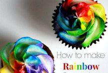 Cupcakes galore / Food
