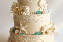 Under the Sea Cakes / These delicious wedding cake creations are perfect for a beachside reception. #SeaTheme #Beach #WeddingCake