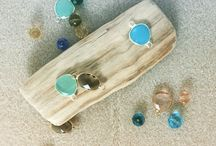 La fabrique de Lauren / Passionnée de bijoux hauts en couleurs, je crée moi même des bijoux en argent 925 et certains fantaisies. Le mot d'ordre est la couleur, parfois sous toutes ses formes, parfois des camaïeux ...