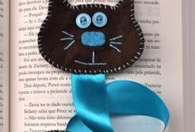 I love felt / Felt and wool ornaments, brooches, needle books, book marks, quilt blocks, pillows, table runners, applique.
