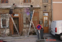Kiwi Tradesmen Renovate A Villa in Paris / Two expat Kiwi's living in a village outside Paris, posted job #2726 on Builderscrack.co.nz in July to find Kiwi tradesmen. Over 100 tradesmen from all around New Zealand showed interest in this job at 9 rue de Paris.