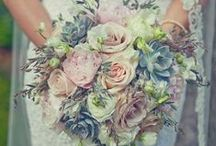 Smell the Roses / Inspiration for flower arrangements and table arrangements for your dream wedding day.