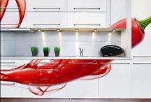 Cozinhas I Decoração / Soluções inovadoras pra montar a decoração de cozinhas grandes ou pequenas. Confira dicas, ideias e inspirações para você arrasar! Leia mais em: revista.zapimoveis.com.br