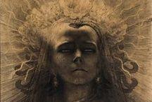 """Idols Of Perversity  """"Portrait of a Femme Fatale""""  / Femmes Fatales, Ménades de la décadence, harpies..."""