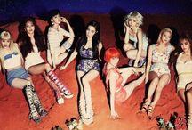 Girls' Generation - SNSD / .