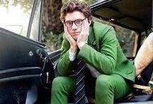 Men in green / Green suit trend.