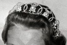 Boucheron Pearl Circle tiara - Norwegian Royal Family / The tiara was made by Boucheron and was displayed at the Exposition Universelle in Paris in 1900. Princess Ingeborg later had the three pearl elements added. Materials: diamonds and pearls set in platinum. Used by Princess Ingeborg of Sweden; gift from her husband, Prince Carl of Sweden. Crown Princess Märtha of Norway, nee Princess of Sweden. Märtha's older sister Princess Margareta of Denmark. Princess Ragnhild of Norway, Mrs. Lorentzen; inherited from her grandmother in 1958.