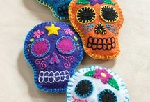 Happy Craft-O-Ween / Spookily-good halloween costumes, pumpkin carving, decorations and eery inspiration.
