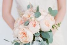 DIY Wedding Bouquet / Make your own wedding bouquet with this gorgeous tutorials