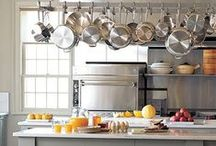 Organise Your Kitchen / Everything you ever needed to know about keeping your kitchen clean, tidy and organised.
