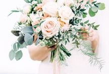 WEDDING BOUQUETS / Who doesn't love a gorgeous wedding bouquet. Here you will find floral inspiration for natural and organic wedding bouquets.