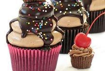 ♡ Cupcakes ♡ / Cupcake recipes and ideas for decorating. / by Bake Love Give