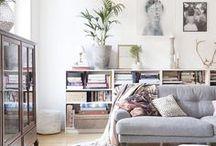 Wohnzimmer / Einer der wichtigsten Plätze. Wohlfühlfaktor wird hier groß geschrieben. Im Wohnzimmer landen unsere Gäste meist zuerst, also ein besonders repräsentativer Ort