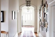 Flur / Das erste, was man von einer Wohnung sieht. Garderobe, Spiegel, Ablegeflächen...