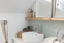 Badezimmer / Ein gemütlicher Abend in der Badewanne, was gibt es schöneres? Das Badezimmer einzurichten kann tricky sein.