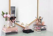 make up places / Schminktische, frisiertische, make up organizer und so weiter. Perfekte Plätze um das beste aus sich rauszuholen.