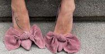 Sandalen und Sommerschuhe / Es wird endlich wärmer und im Sommer wird's Zeit für ein paar neue Schuhe. Vielleicht ein paar tolle Pumps oder Sandalen