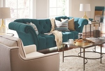 Sofas & Sectionals - Thomasville Favorites / For style, comfort and hand-tailored quality, Thomasville sofas and sectionals make a statement. Customize your couch with over 800+ fabric and leather options.