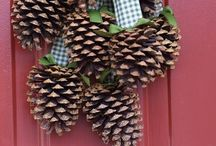 Wreaths and Door Decor / Wreaths and front porch/entryway decorating / by Naomi Dalley