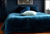 Bedspreads / Bedspreads in silk velvet, silk and linen Couvre-lits en velours de soie, de la soie et de lin.  丹麦设计。床覆盖丝绒,丝绸和亚麻 デンマークのデザイン。ベッドには、絹のベルベット、シルク、リネンでカバー تصميم الدنماركي. يغطي السرير من الحرير المخمل والحرير والكتان