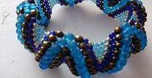 Náhrdelníky, náramky, šperky / všeho ohledně šperků