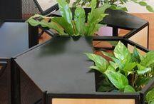 Módulo Muda / Mobiliário Módulo Muda desenvolvido pelo Estúdio Minke com a proposta de incorporar a vegetação à uma peça do cotidiano.