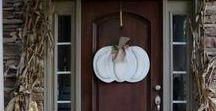 Fall Porch Ideas / Fall porch and door decor we love!