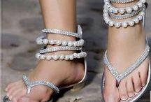 Zapatos, zapatos, zapatos... / Shoes drive me crazy!